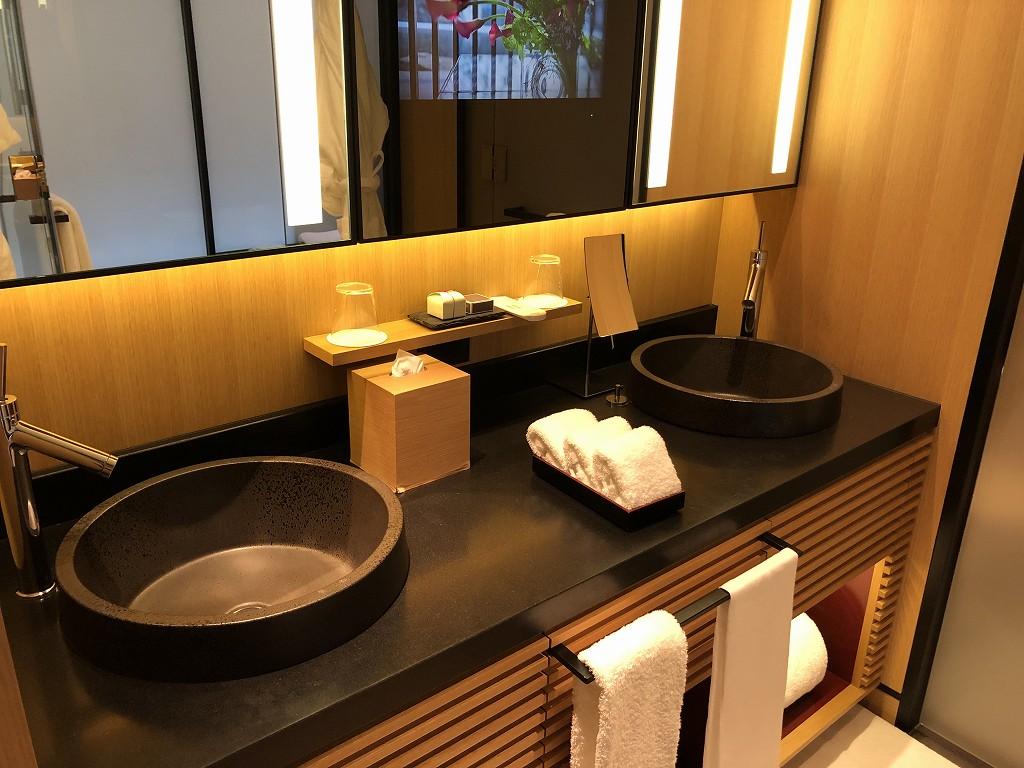 リッツカールトン京都のデラックス(シティビュー)の洗面台