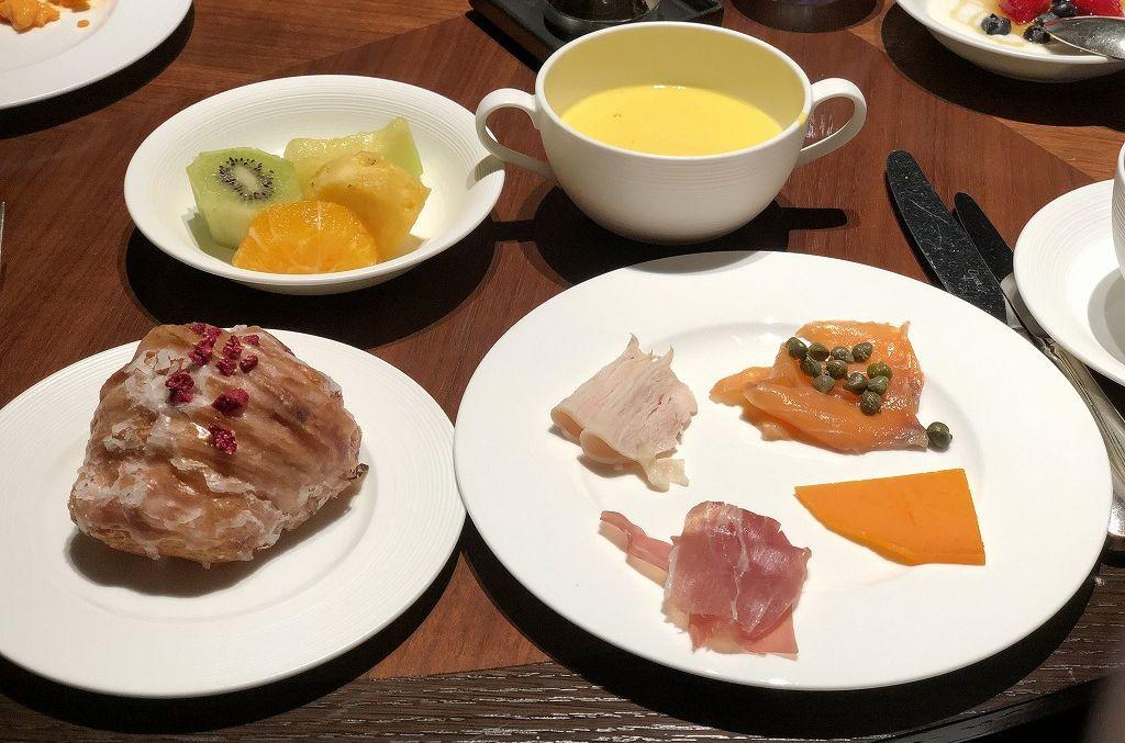 リッツカールトン京都の「ラ・ロカンダ」の朝食