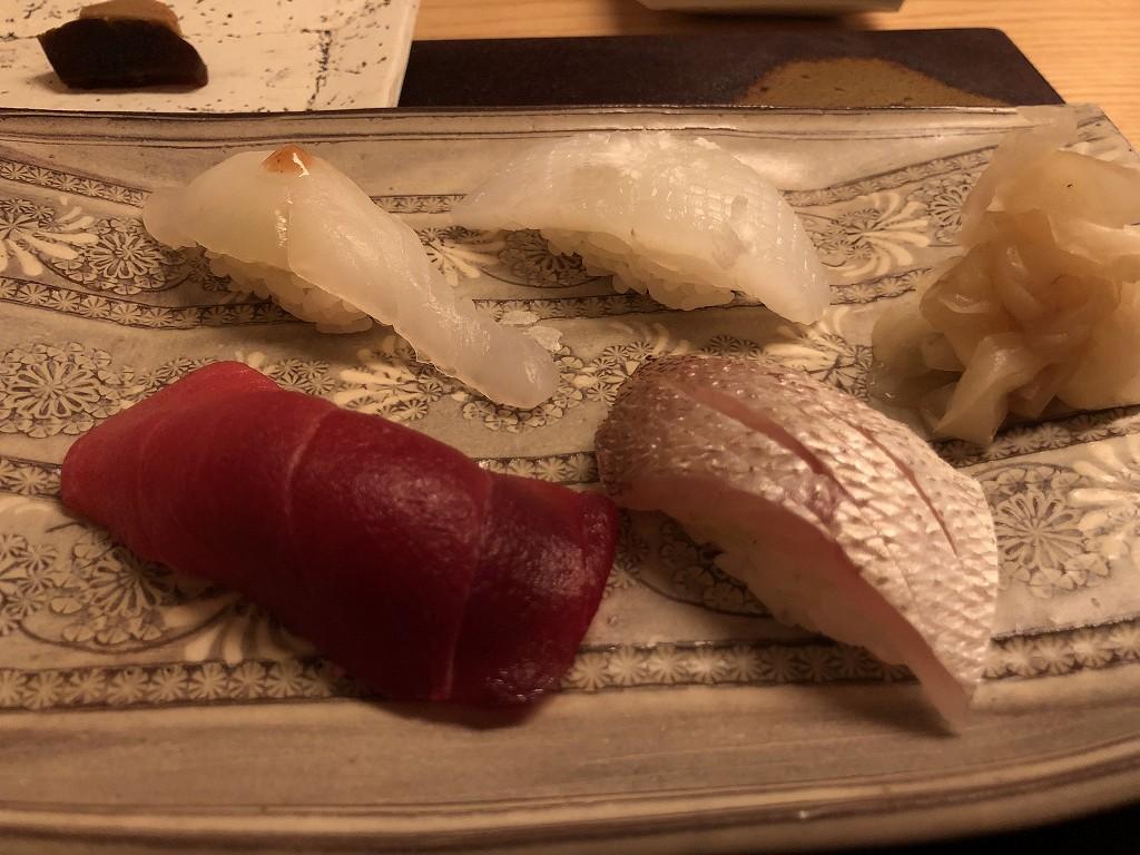リッツカールトン京都の水暉のイカ、ホシガレイ、カサゴ、中トロ
