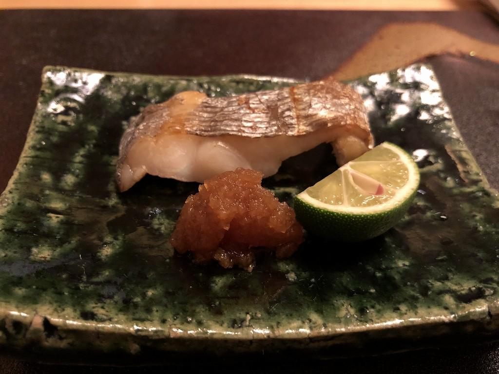 リッツカールトン京都の水暉のタチウオの焼き物