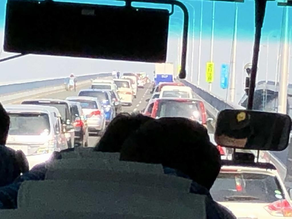 大渋滞の琵琶湖大橋2