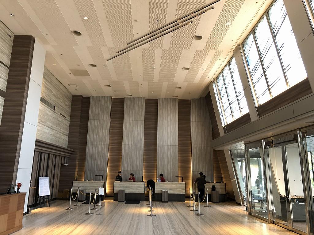 琵琶湖マリオットホテルのチェックインカウンター