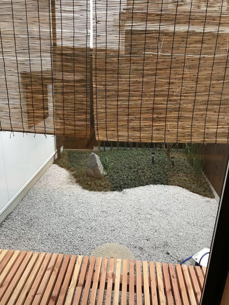 京都のAirbnbの家の坪庭