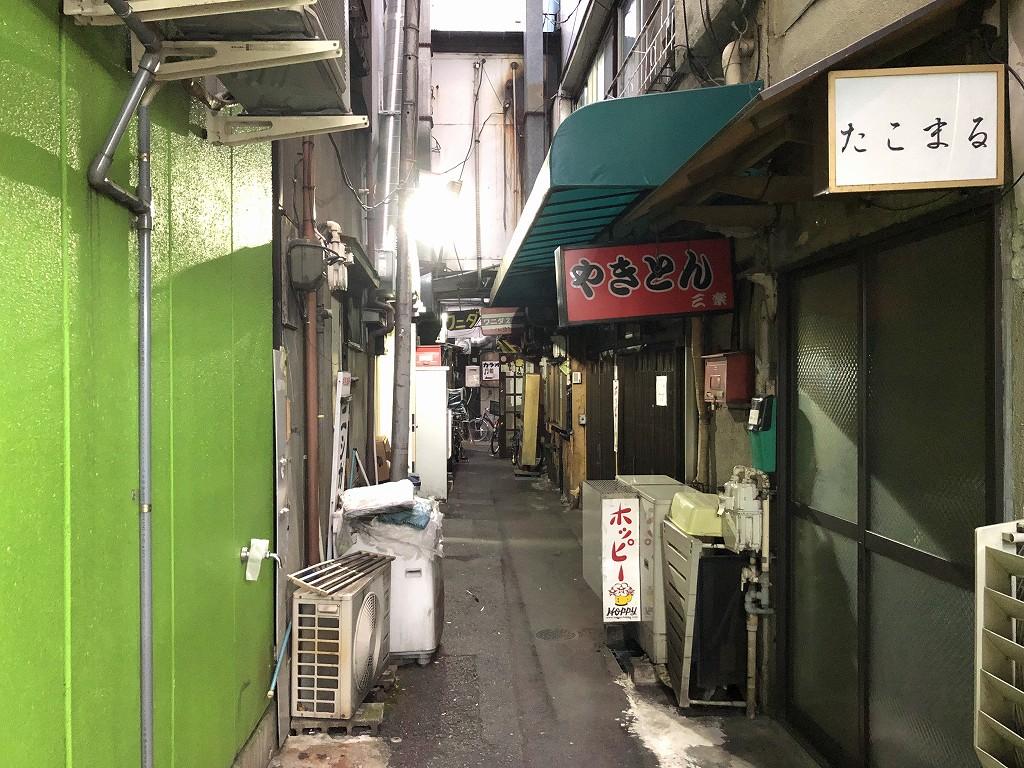 休業中の店が多い赤羽一番街商店街