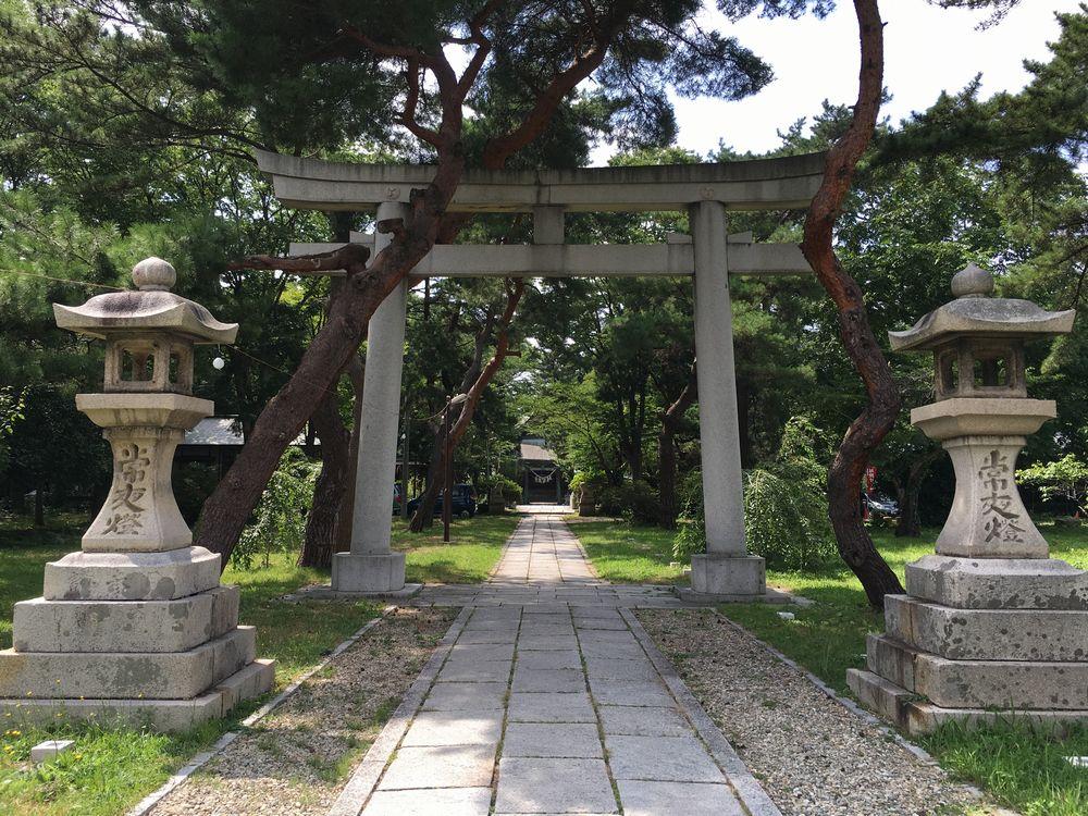 日吉八幡神社の一の鳥居