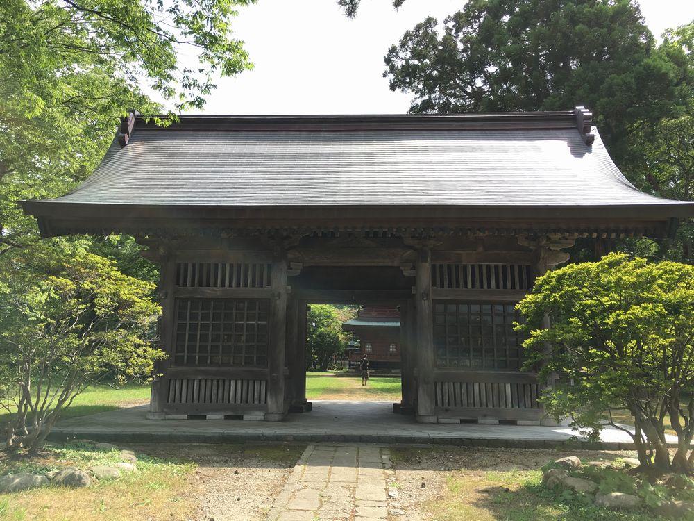 日吉八幡神社の随神門