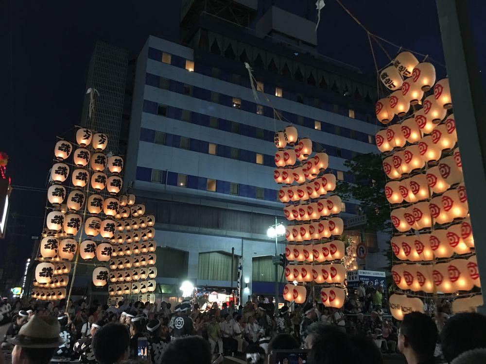 秋田の竿燈まつり1