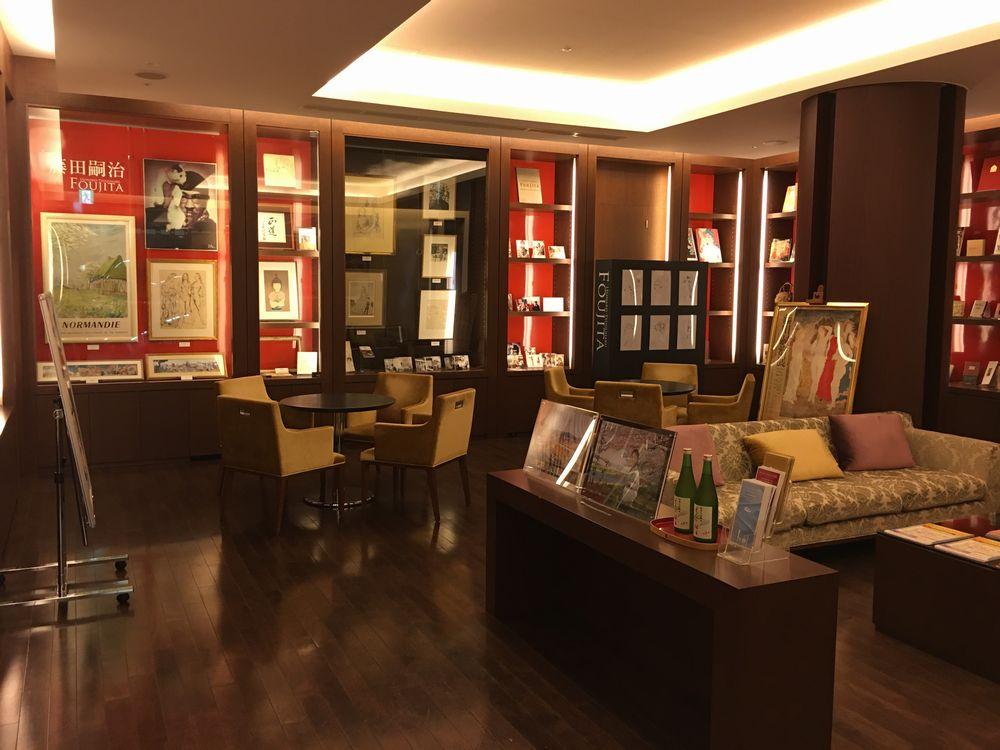 ホテルメトロポリタン秋田の大人の休日倶楽部ラウンジの展示