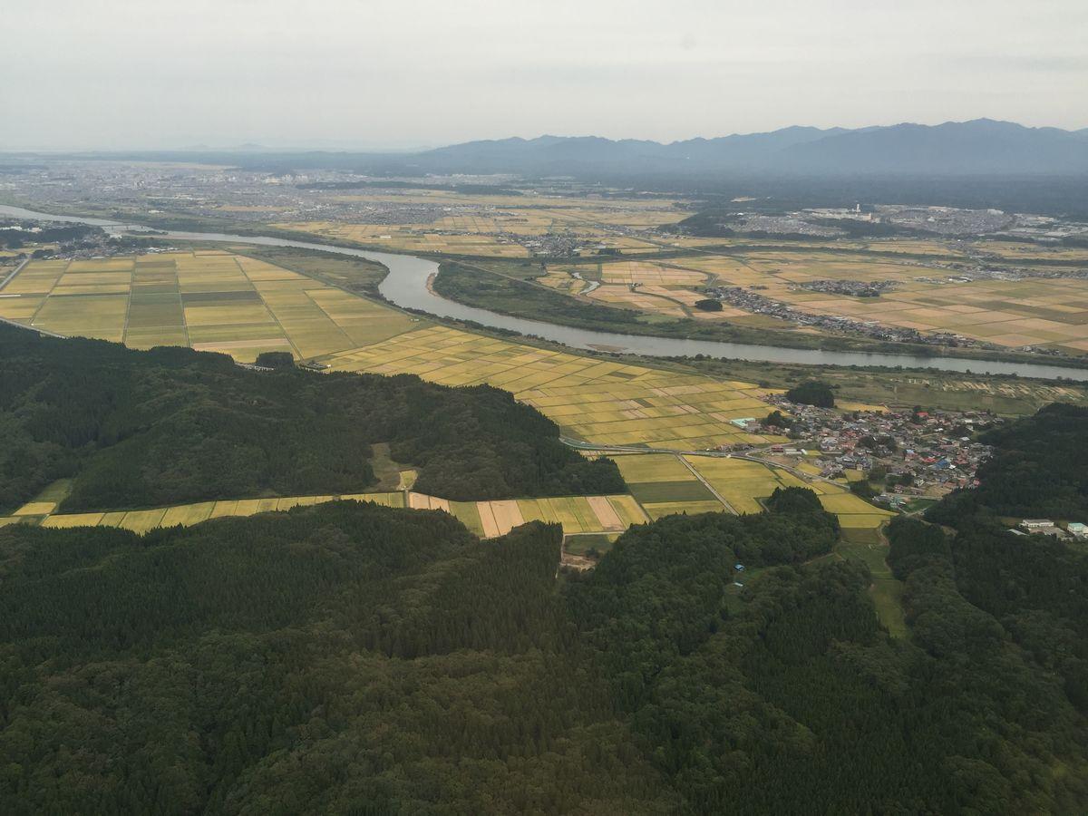 秋田空港近くの田園