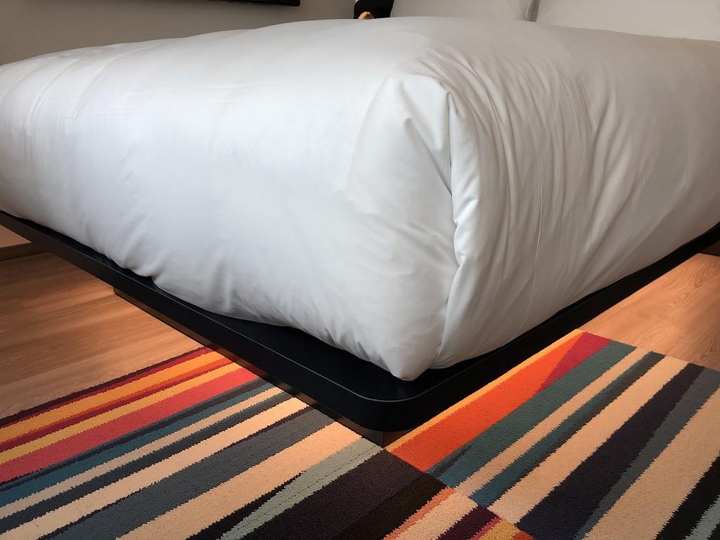 アロフト東京銀座のサヴィーキングルームのベッド3