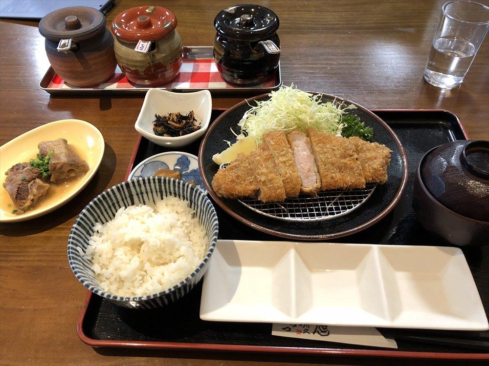 「川久」の黒豚ロース定食1