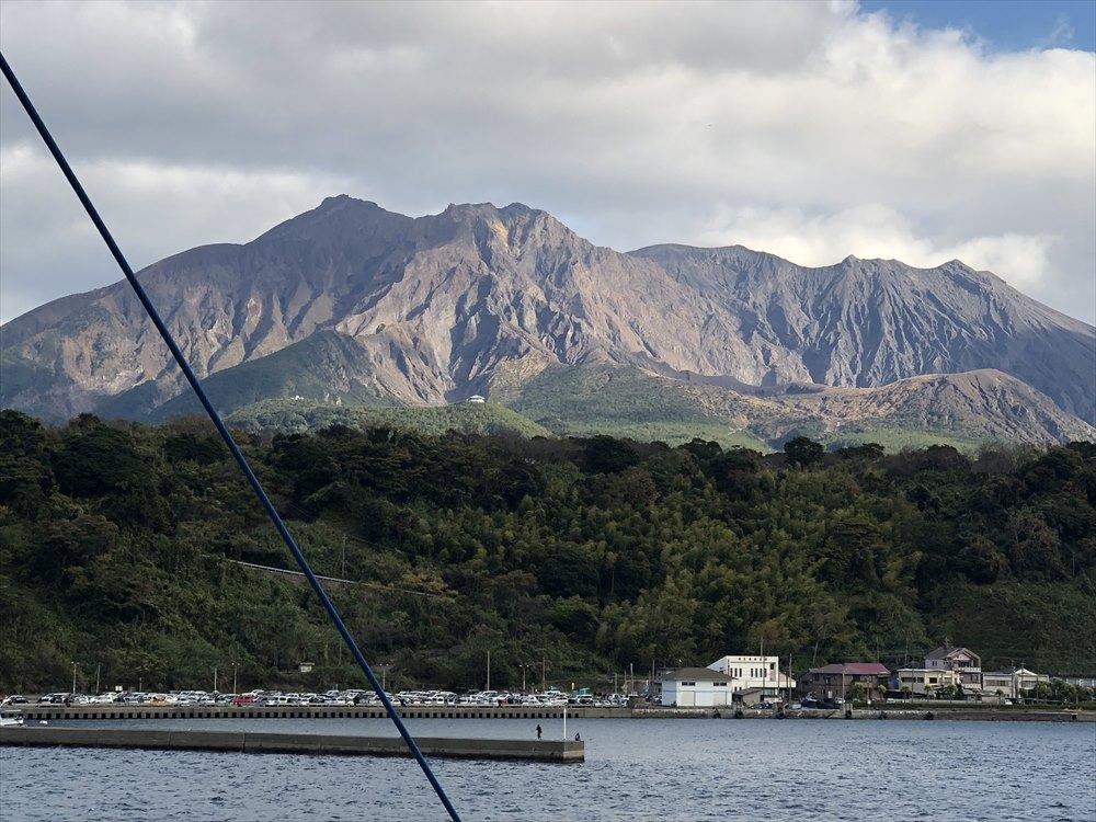 桜島の山肌2