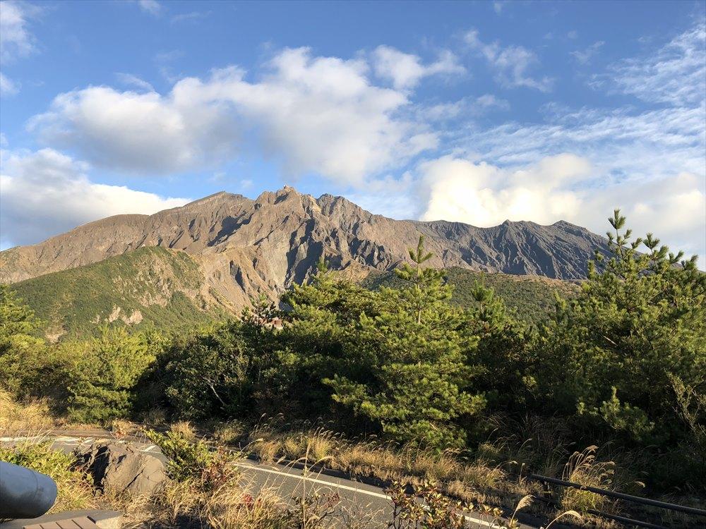 湯之平展望所から北岳と南岳