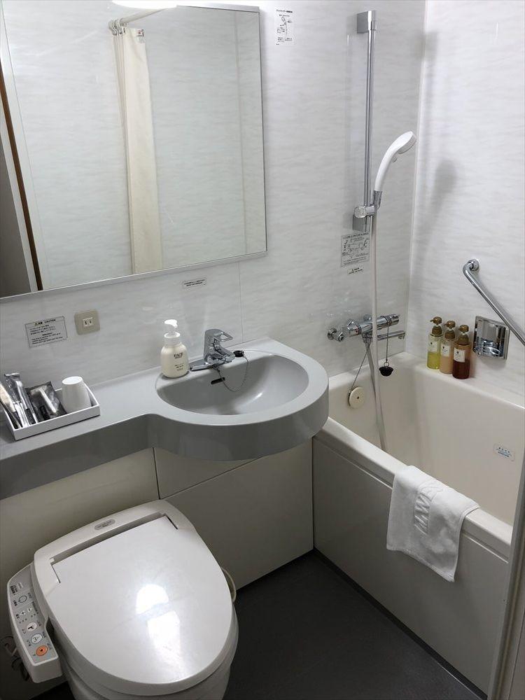 ホテルウエストコート奄美シングルルームのユニットバス