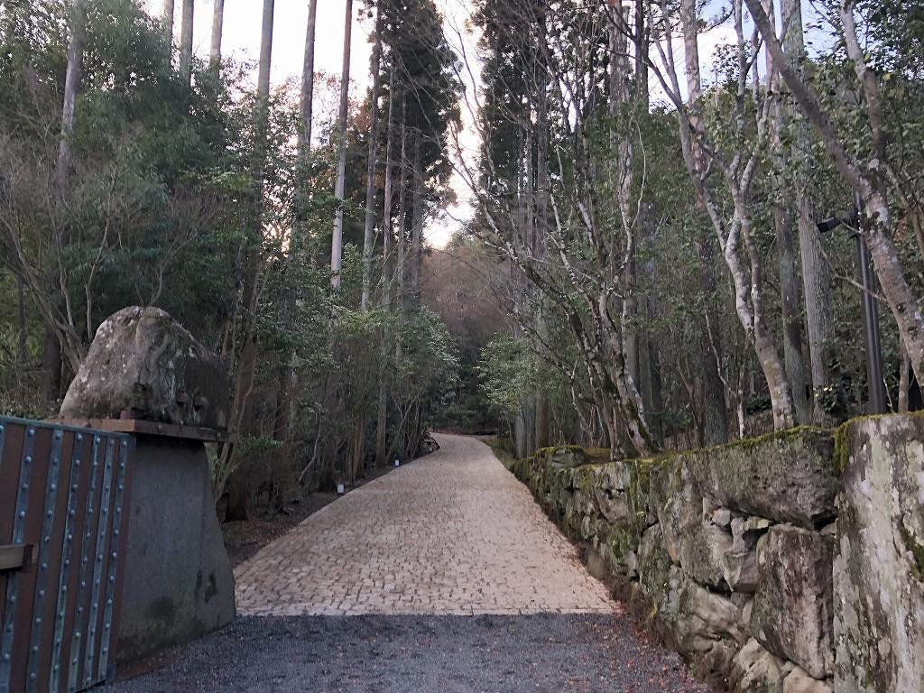 アマン京都のアライバルラウンジから天ヶ峰方面