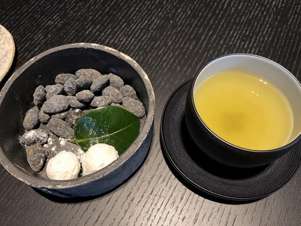 アマン京都のアライバルラウンジのお菓子