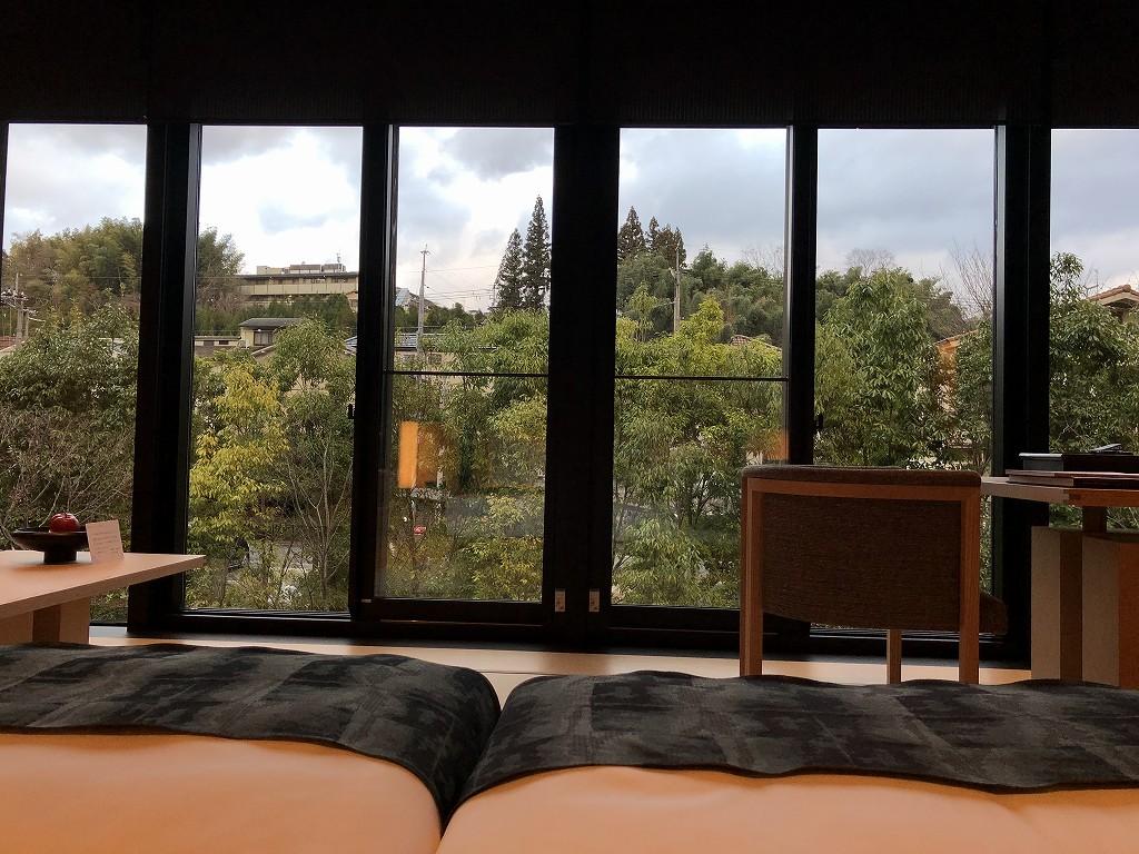 アマン京都の「芒」のベッドからの眺め