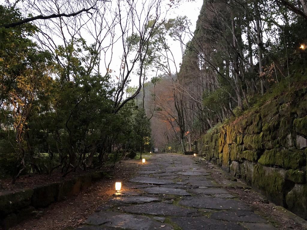 アマン京都のアマンスパに通じる道