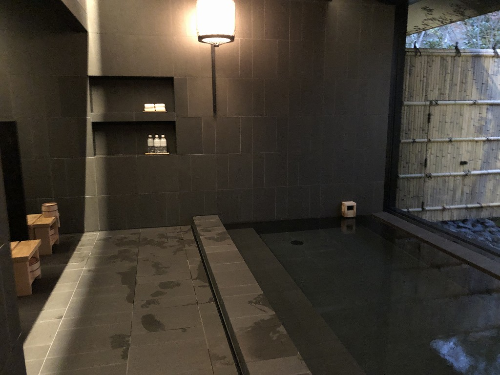 アマン京都のアマンスパの内風呂1