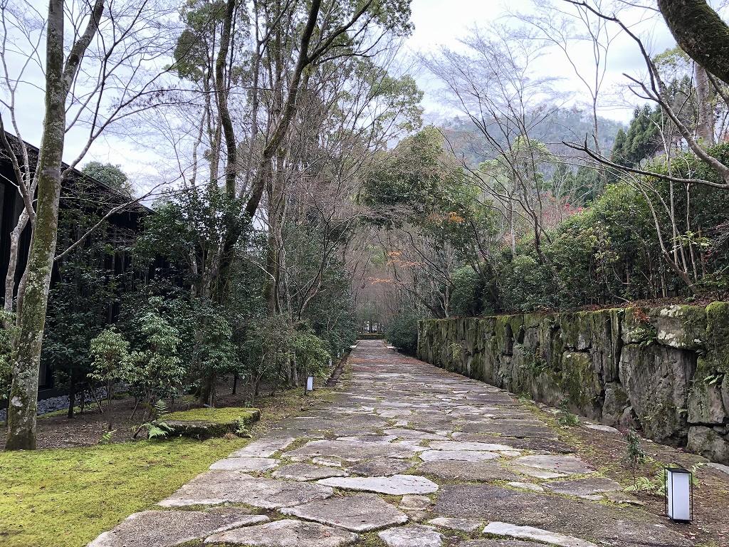 アマン京都の巨石