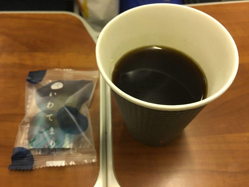 ANA618便のコーヒーといわてまり