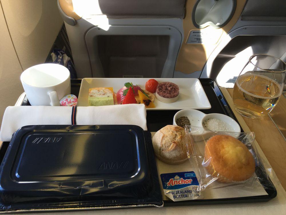 ANA861便(羽田-ソウル金浦)ビジネスクラスの機内食(開封前)