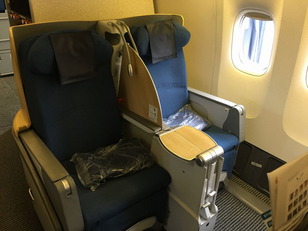 ANA861便(羽田-ソウル金浦)ビジネスクラスの座席