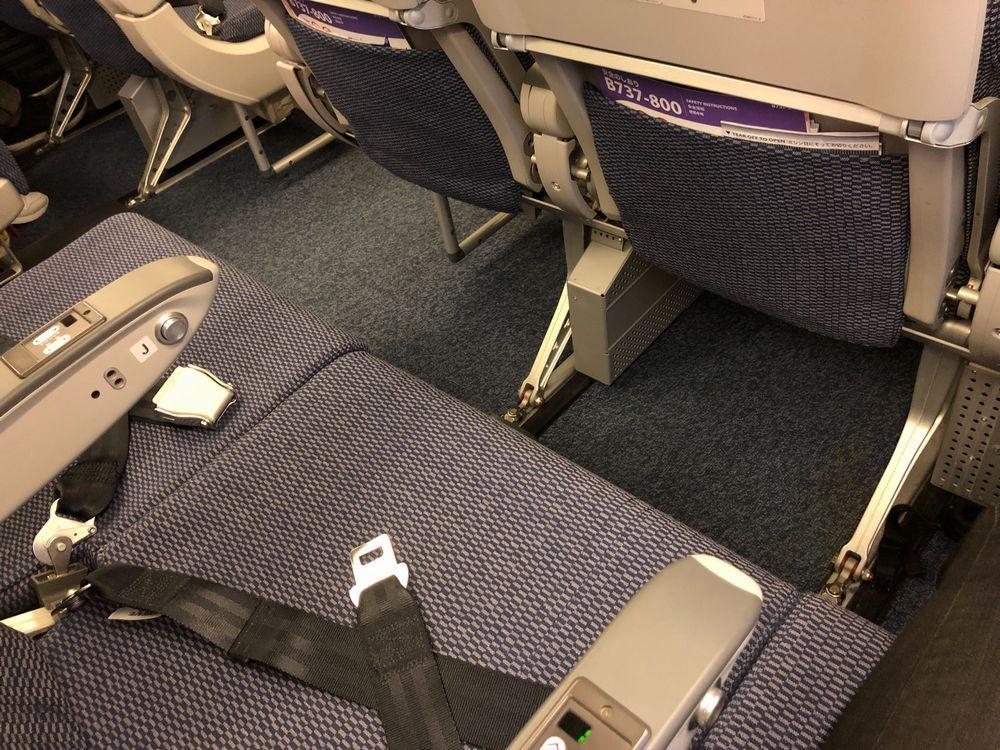 ANA1896便隣2席空席