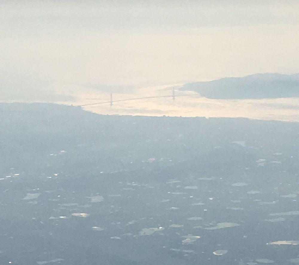 ANA533便から見た明石海峡大橋