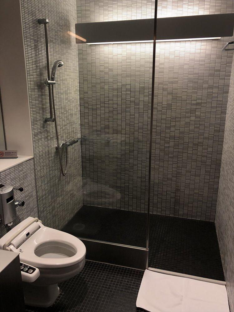 ANA SUITE LOUNGEのシャワールーム