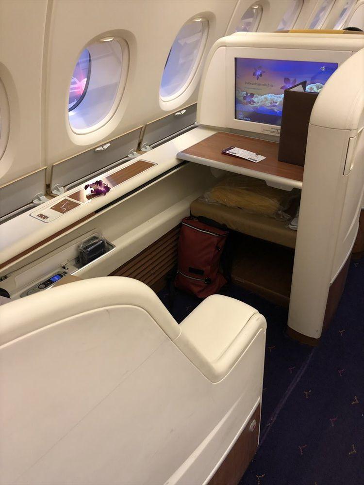 タイ国際航空(TG)エアバスA380のファーストクラスキャビンの3A