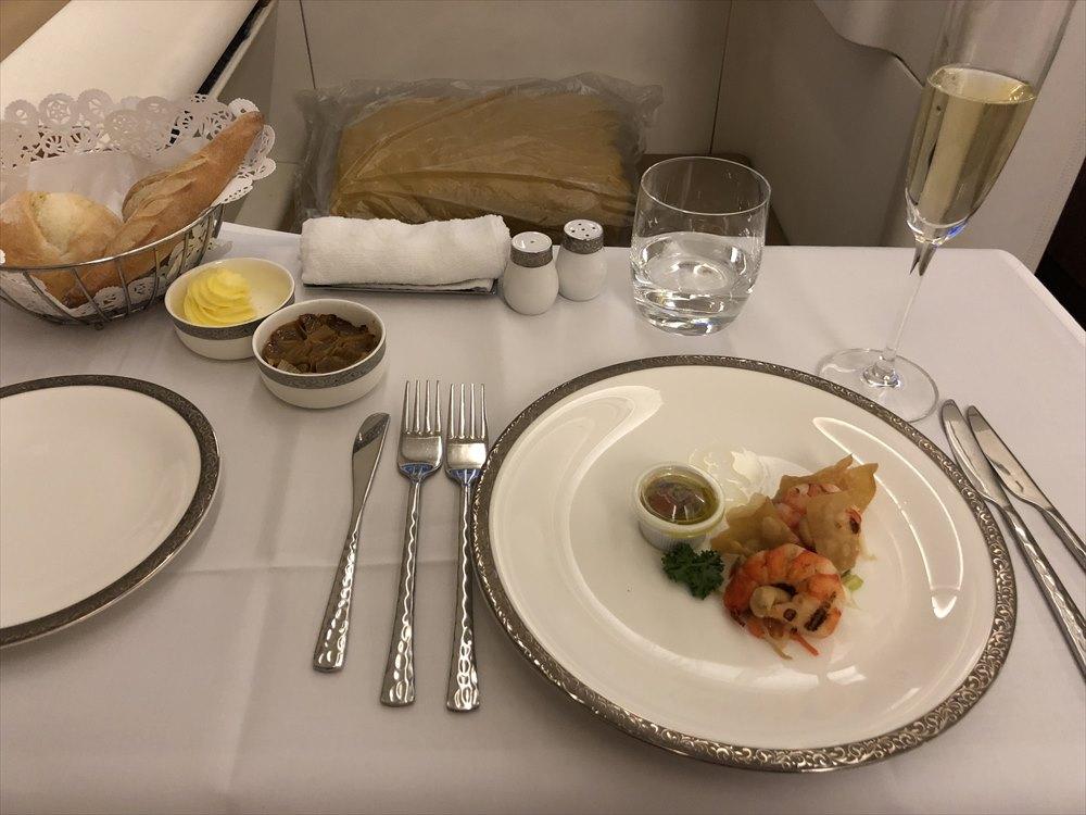 タイ国際航空(TG)677便のファーストクラスの機内食2