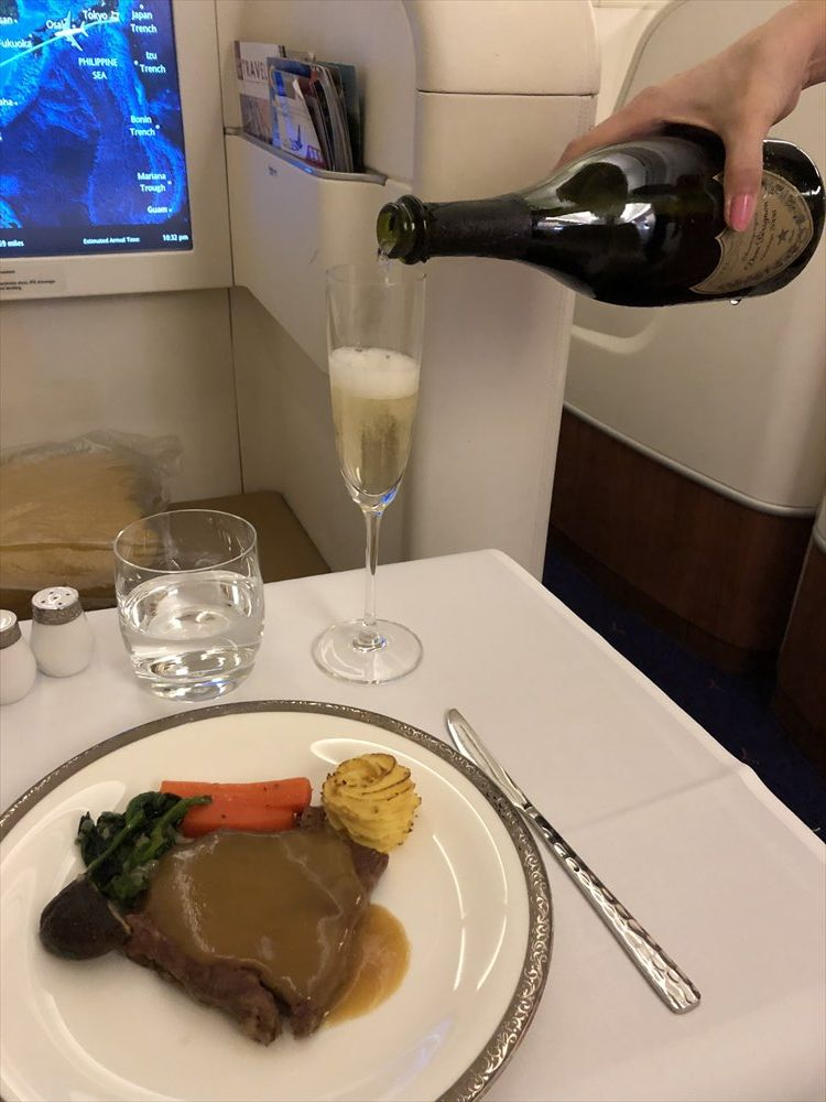 タイ国際航空(TG)677便のファーストクラスの機内食6