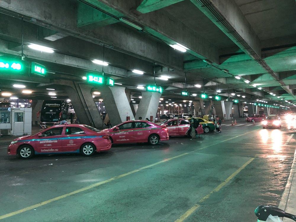 スワンナプーム国際空港のタクシー乗り場2