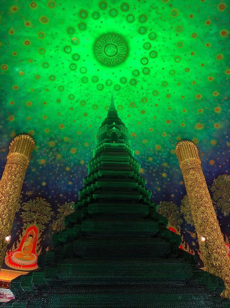 ワットパクナム仏塔の5階の仏塔2
