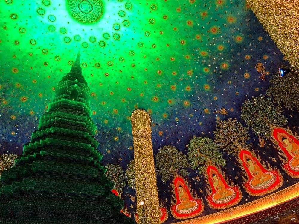 ワットパクナム仏塔の5階の仏塔3