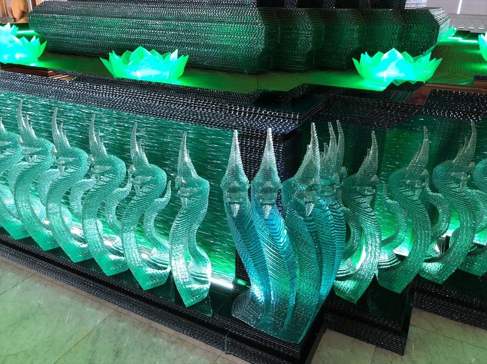 ワットパクナム仏塔の5階の仏塔のガラス