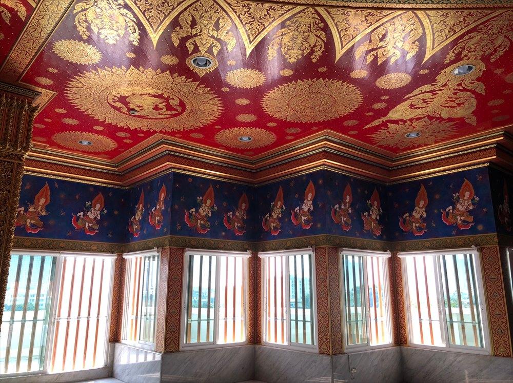 ワットパクナム仏塔の5階の窓