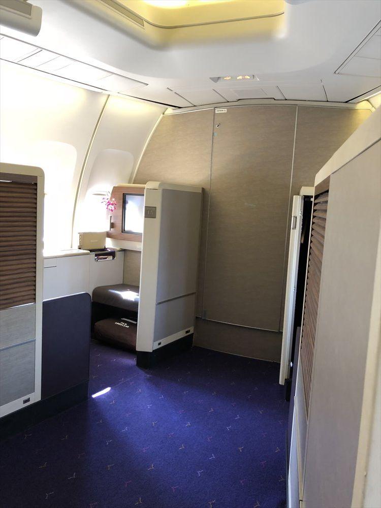 B747機材のTG660便のファーストクラスのシート(2K)3