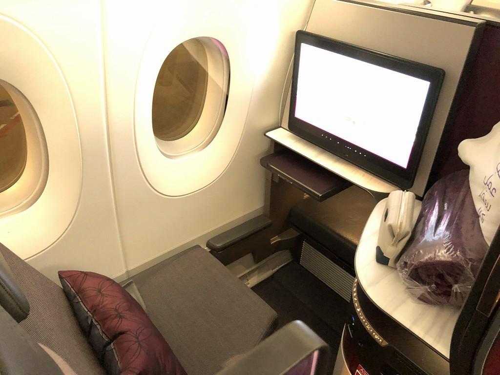 カタール航空のQR813便のQsuiteの座席3