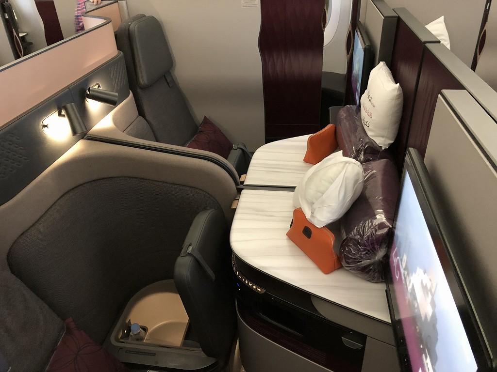 カタール航空のQR813便のQsuiteの座席配列2