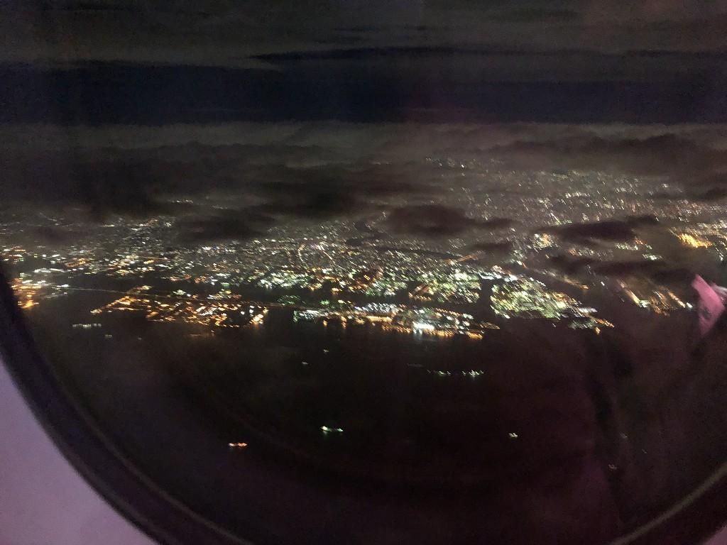 カタール航空のQR813便の離陸