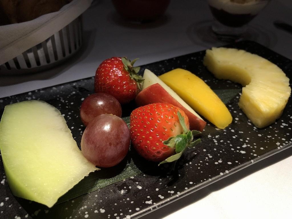 カタール航空のQR813便のQsuiteの朝食2