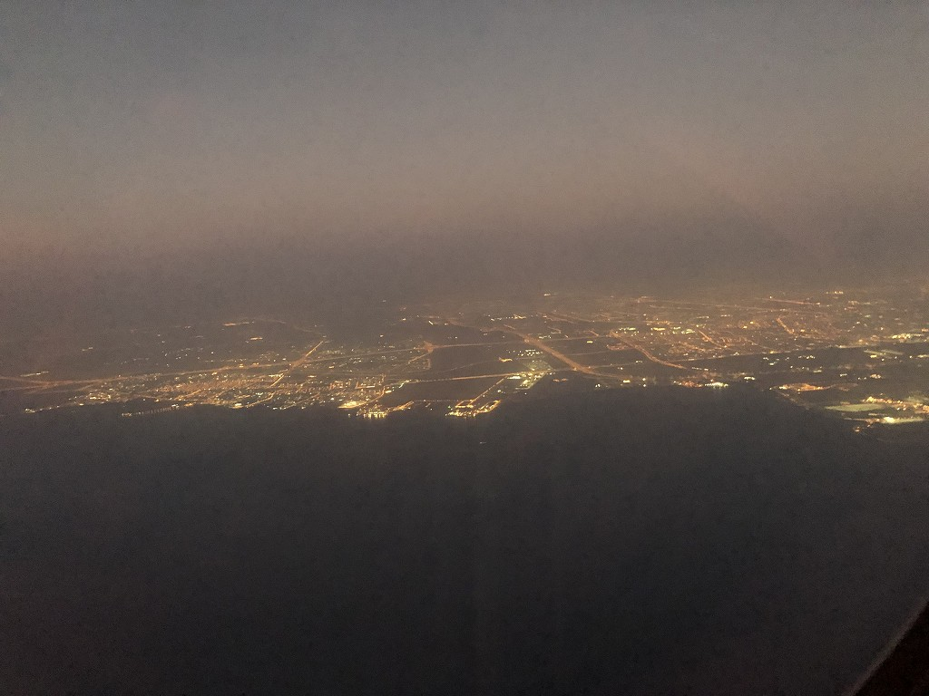 カタール航空のQR813便のQsuiteからのドーハ