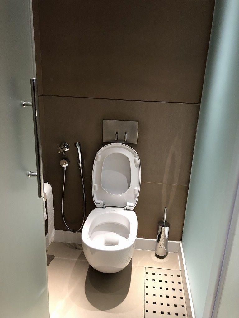 ドーハ空港 Oryxラウンジののシャワー2