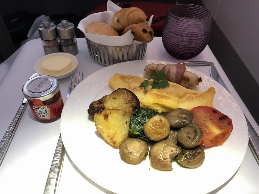 カタール航空のQR145便ビジネスクラス(A350-900機材)の朝食