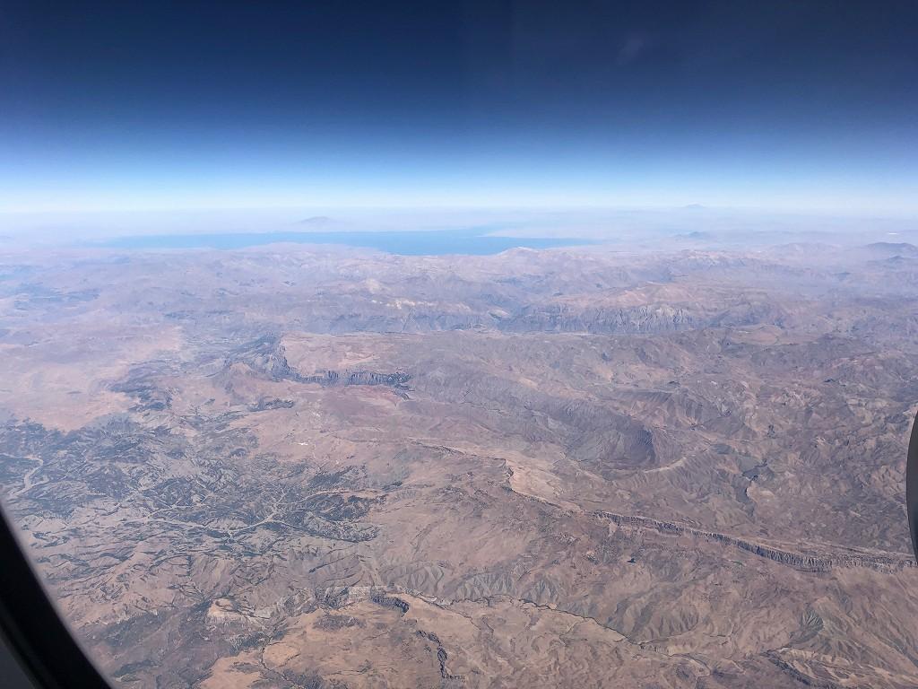 カタール航空のQR145便ビジネスクラス(A350-900機材)からのトルコ領内1