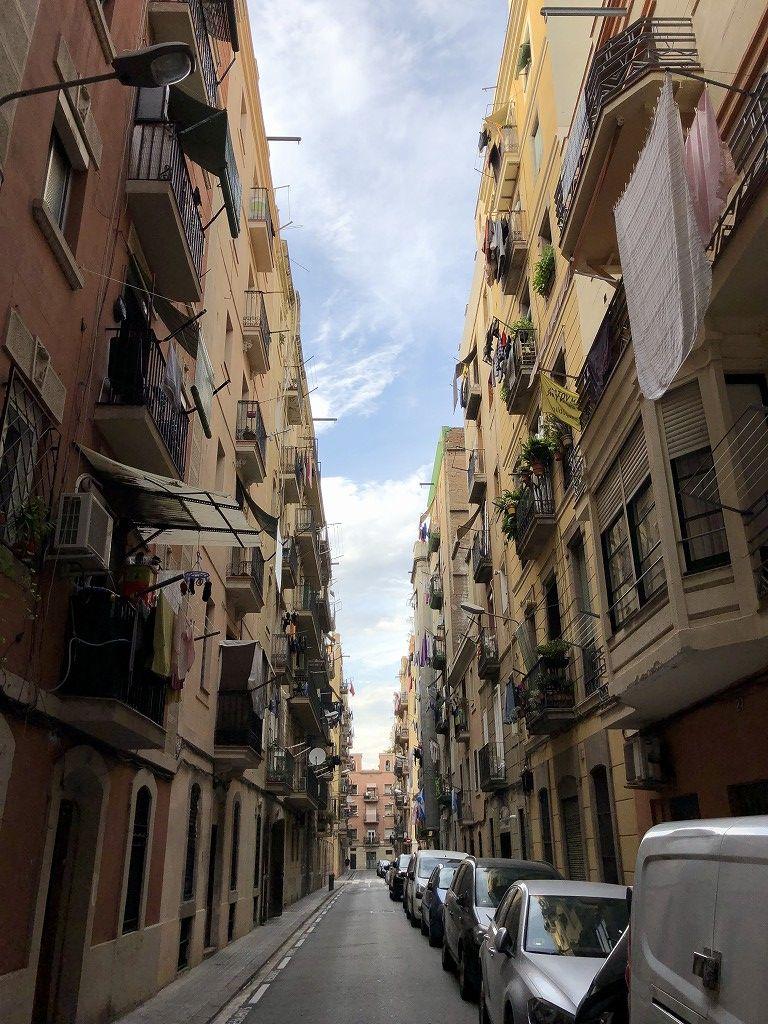 バルセロナの路地裏の生活感