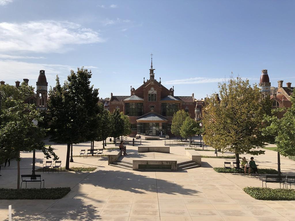 サン・パウ病院の中庭2