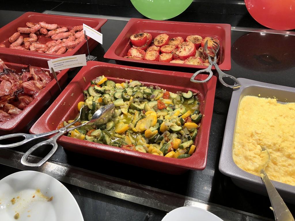 ル・メリディアン バルセロナの朝食会場の「CENTONZE」のホットミール